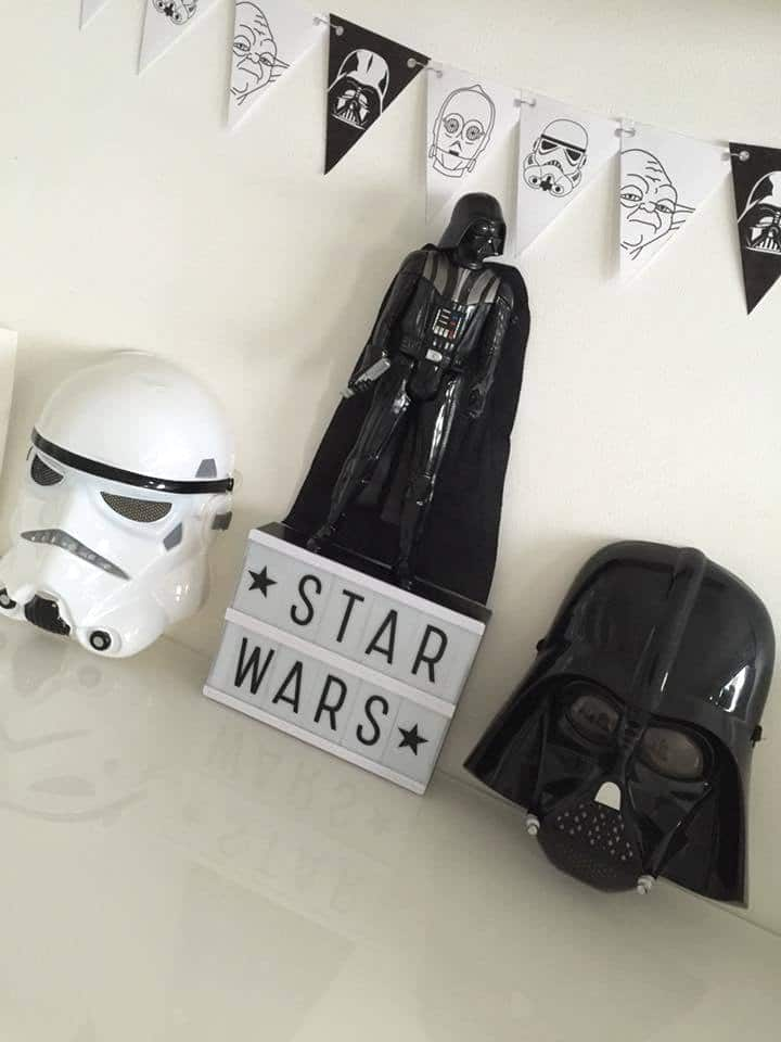 une f te d anniversaire star wars. Black Bedroom Furniture Sets. Home Design Ideas